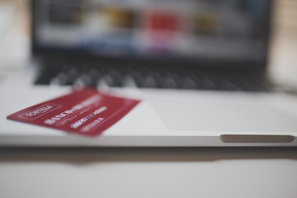 להקטין את הנטל. כרטיס אשראי|צילום: StockSnap.io