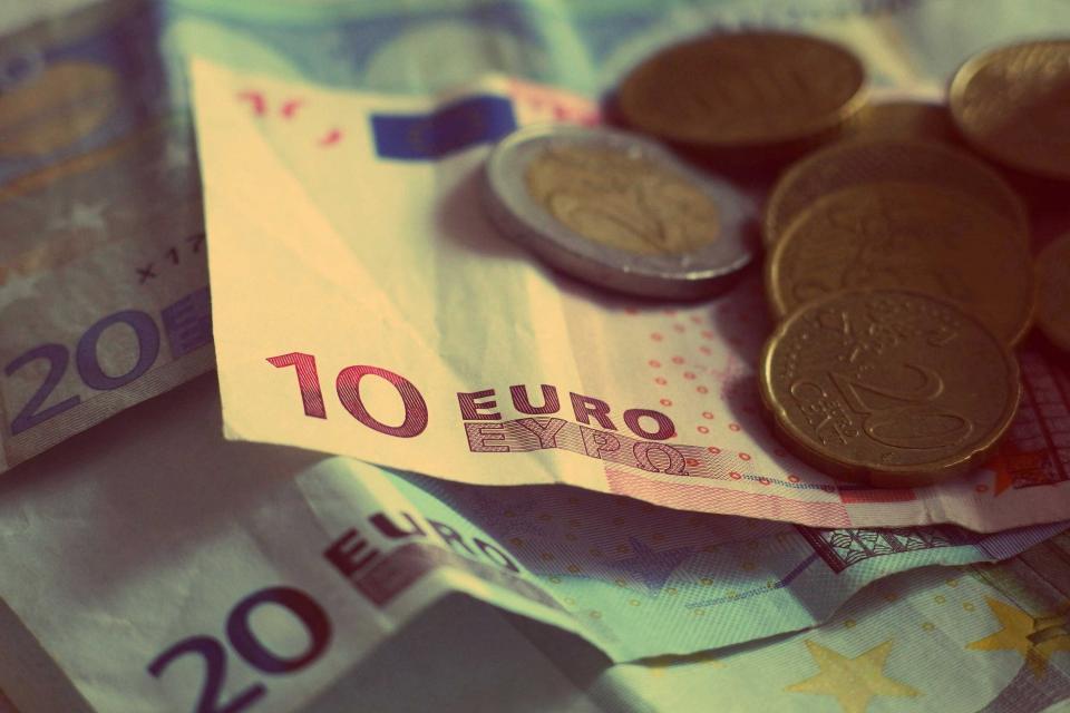 אנחנו עדיין חיים, מאוד, אבל מאוד בכבוד. כסף|צילום: stocksnap.io