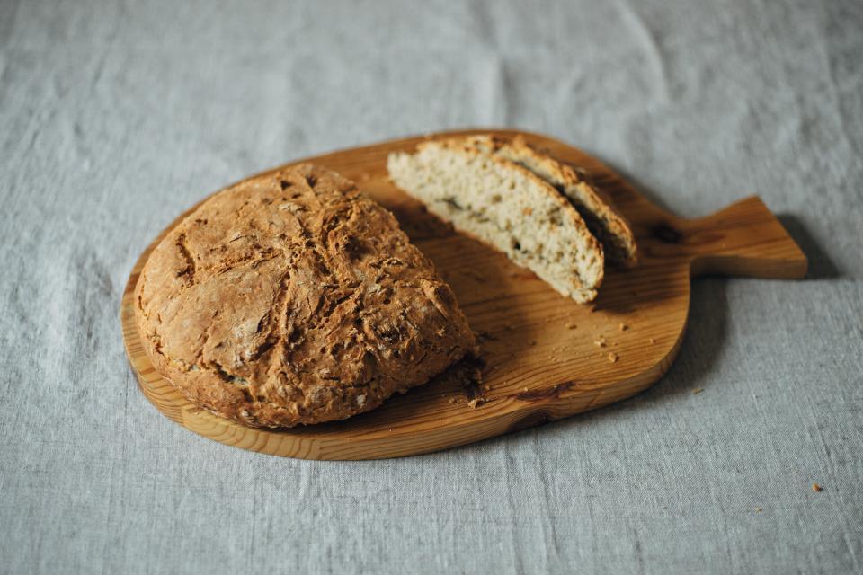 מס שפתיים. לחם|צילום: stocksnap.io