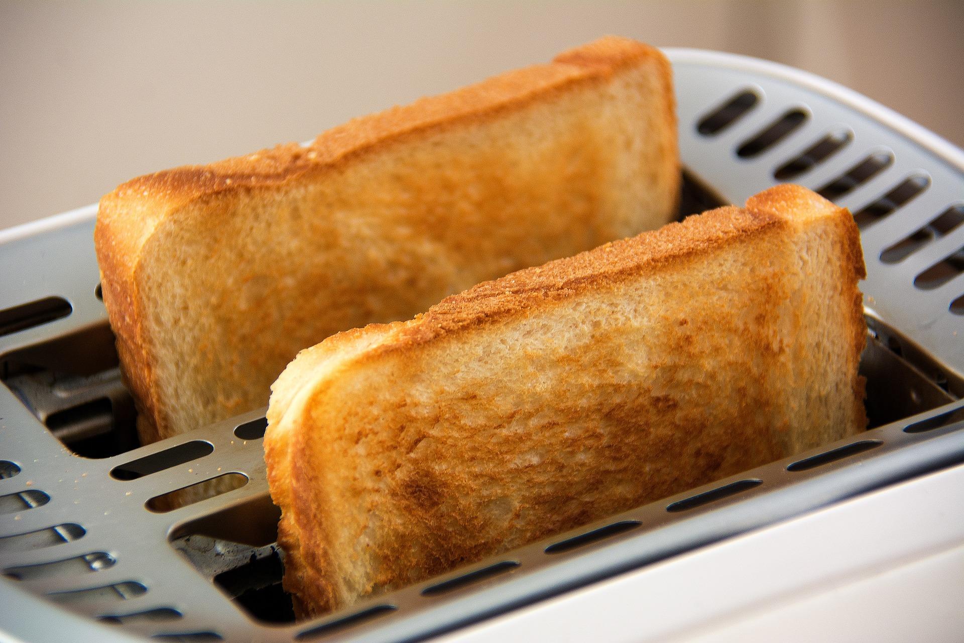 עדכון המחירים האחרון התבצע בחודש ספטמבר 2015. בתמונה: פרוסות קלויות של לחם במצנם | צילום ארכיון: www.pixabay.com